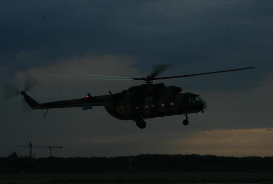 Летчики бригады транспортной авиации отработали выполнение боевых задач в сложных метеоусловиях ...