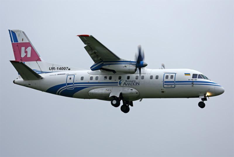 В Setam выставлен на продажу самолет Ан-140-100