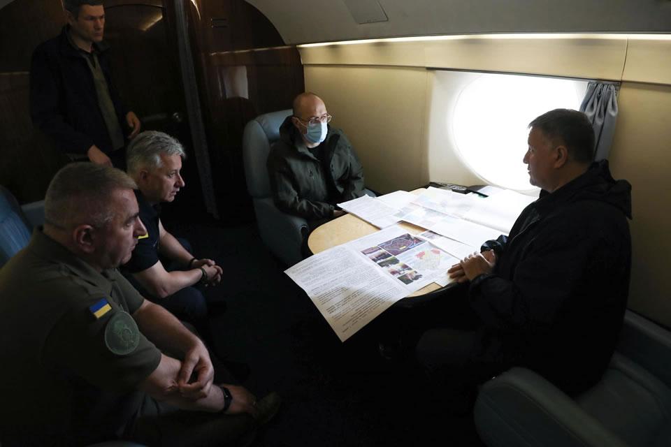 МВД отправило на Прикарпатье авиацию