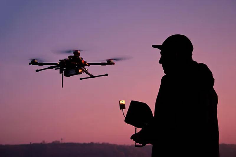 За полеты квадрокоптера над военным аэродромом владелец получил 5 лет тюрьмы