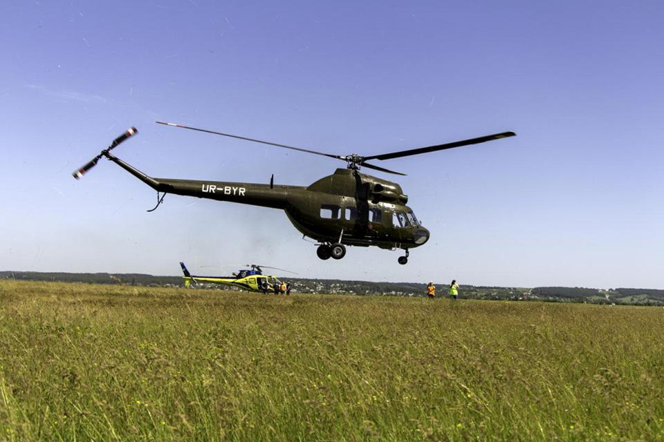 Будущие пилоты вертолетов МВД впервые поднялись в небо