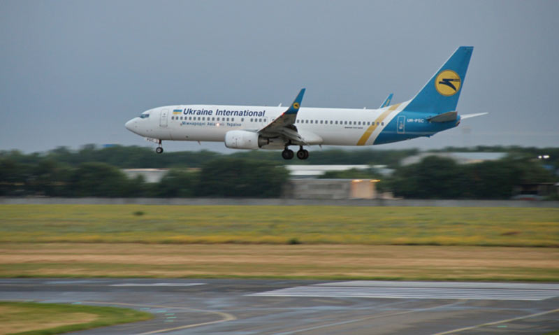 МАУ возобновляет регулярное авиасообщение между Киевом и Одессой