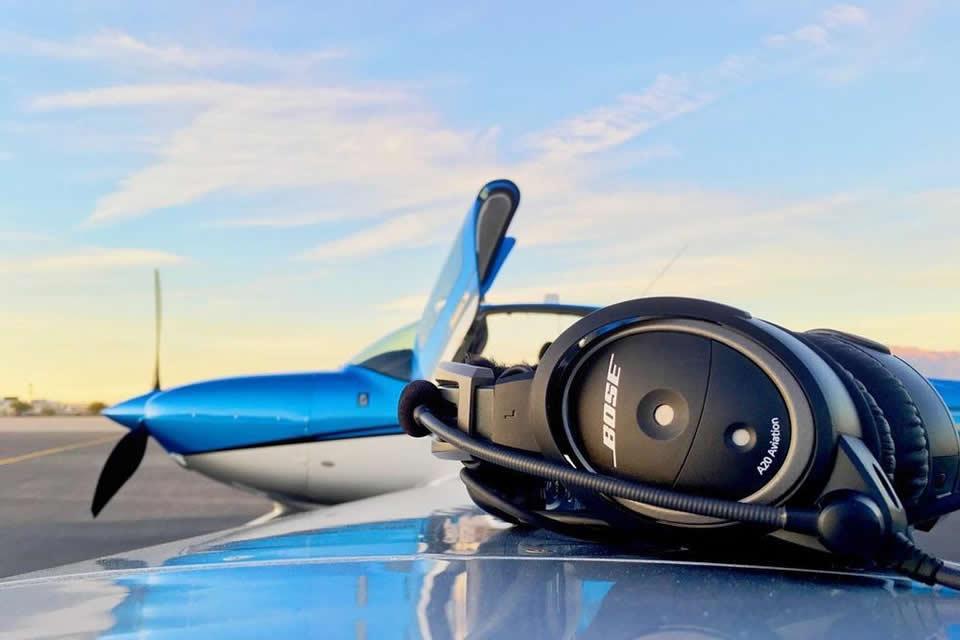 В чем разница между моно и стерео гарнитурами для пилота воздушного судна