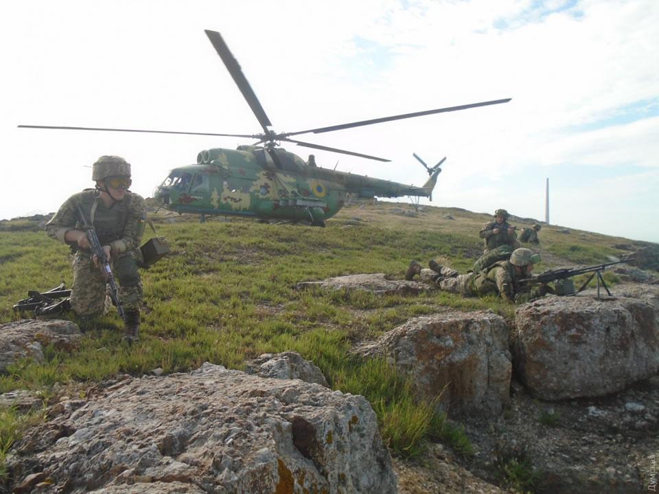 Морпехи отработали десантирование с вертолетов
