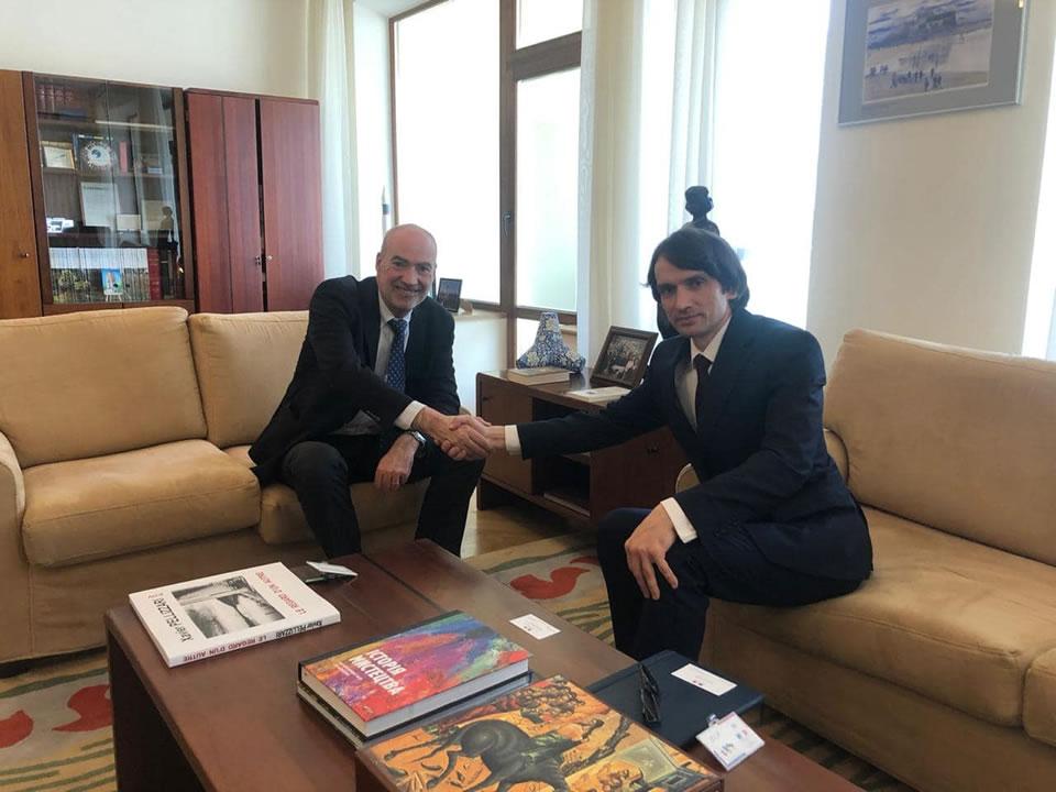 Александр Лось встретился с послом Франции