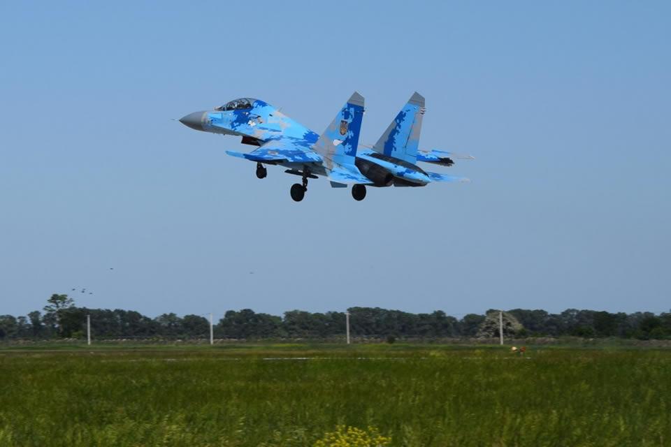 Курсанты осваивают Су-27