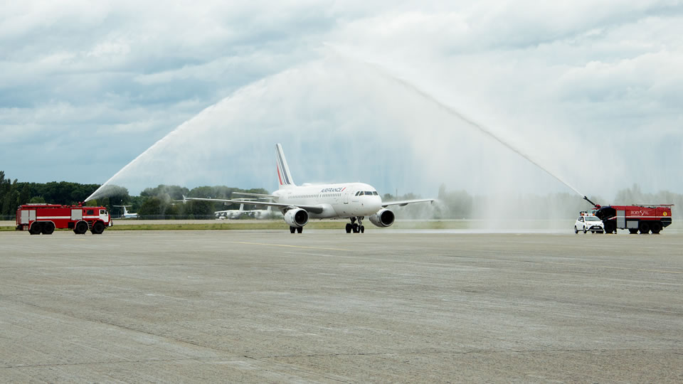 Air France возобновила регулярные рейсы в Украину