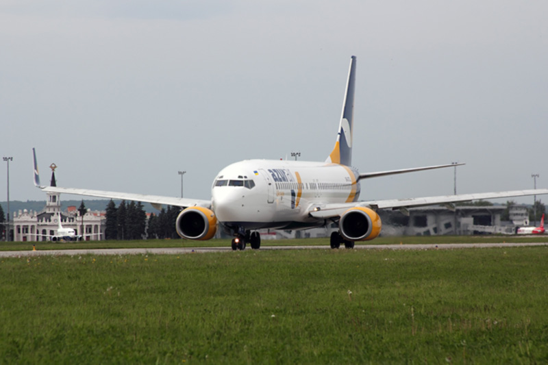 Пассажиропоток аэропортов Украины снизился почти на 62% в первом полугодии