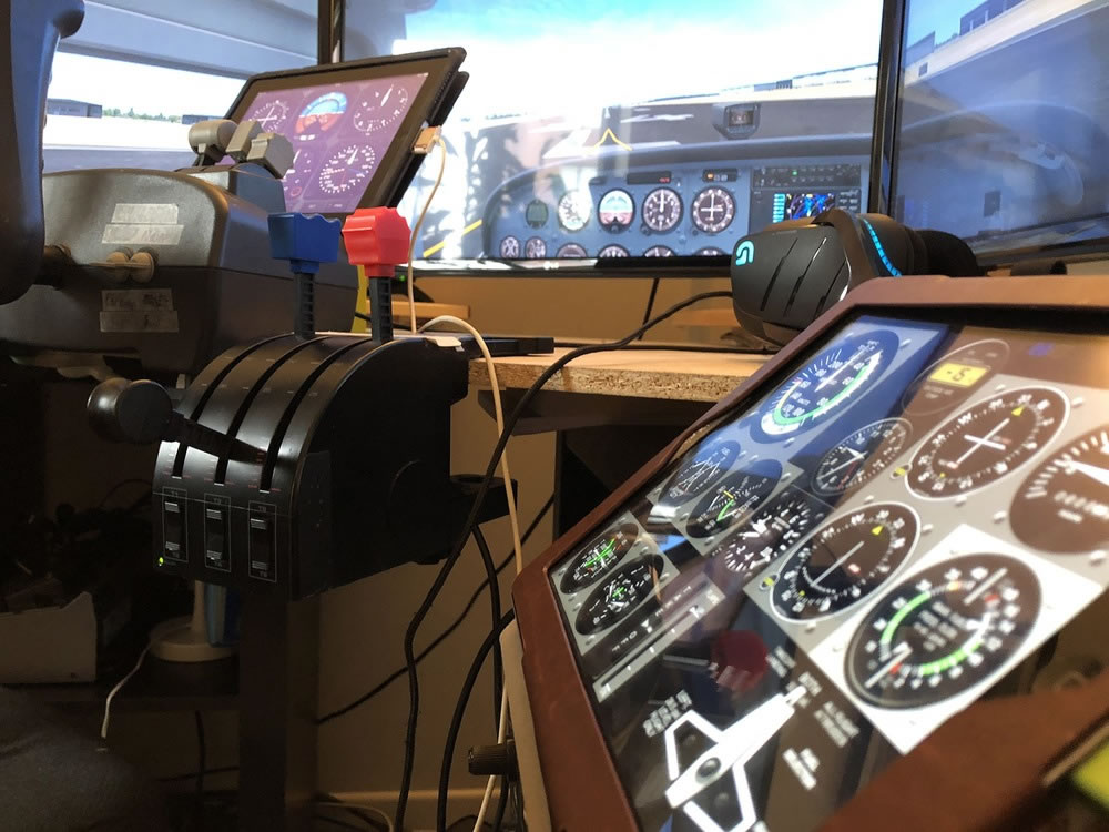 Как можно использовать авиационные приложения на iPad для работы с домашним авиасимулятором?