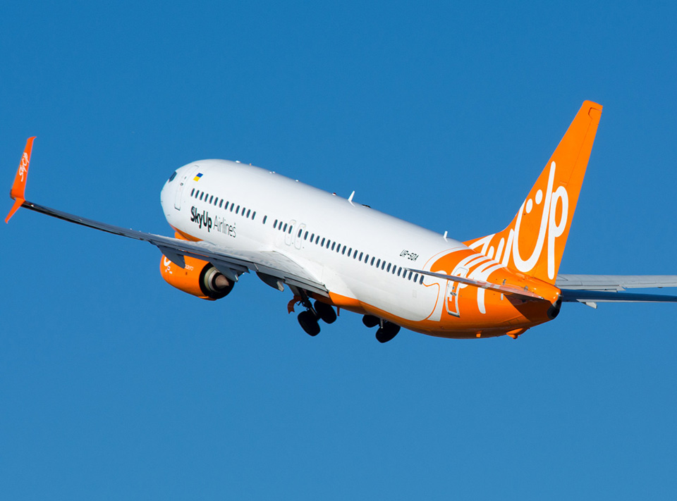 SkyUp разрешили летать еще по 4 направлениям