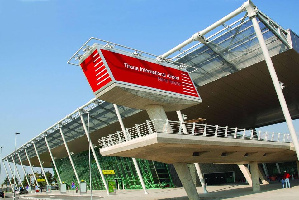 МАУ получила разрешение на чартеры в Албанию из 5 аэропортов Украины