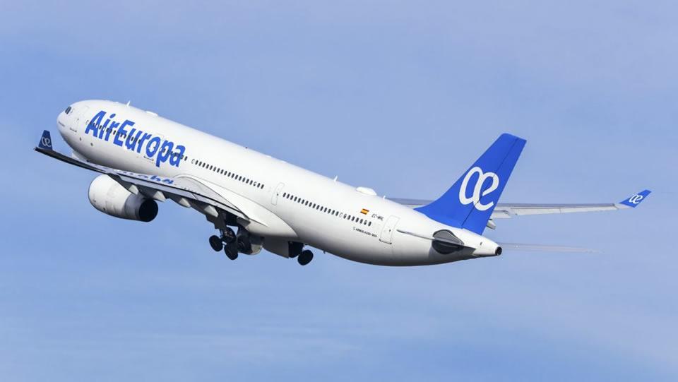 Безмасочный украинец посадил самолет в Малаге