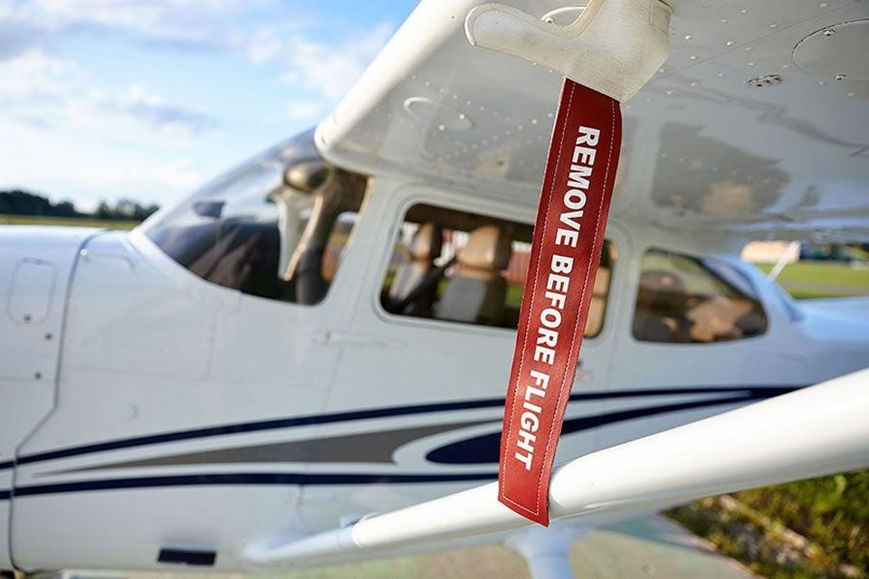 Уход за самолетом: какое снаряжение поможет сохранить ВС в идеальном состоянии