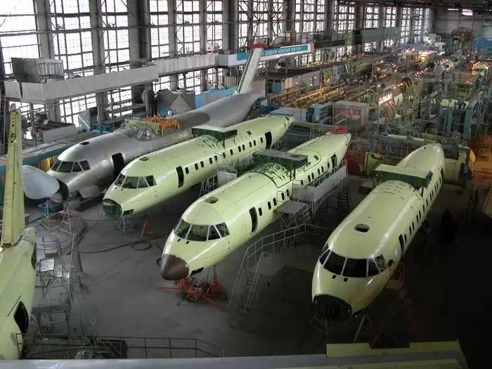 Ярославский пообещал харьковскому авиазаводу миллиард