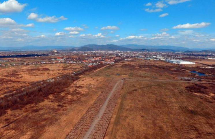 Аэропорт в Мукачево спроектируют в рамках Евро-2012