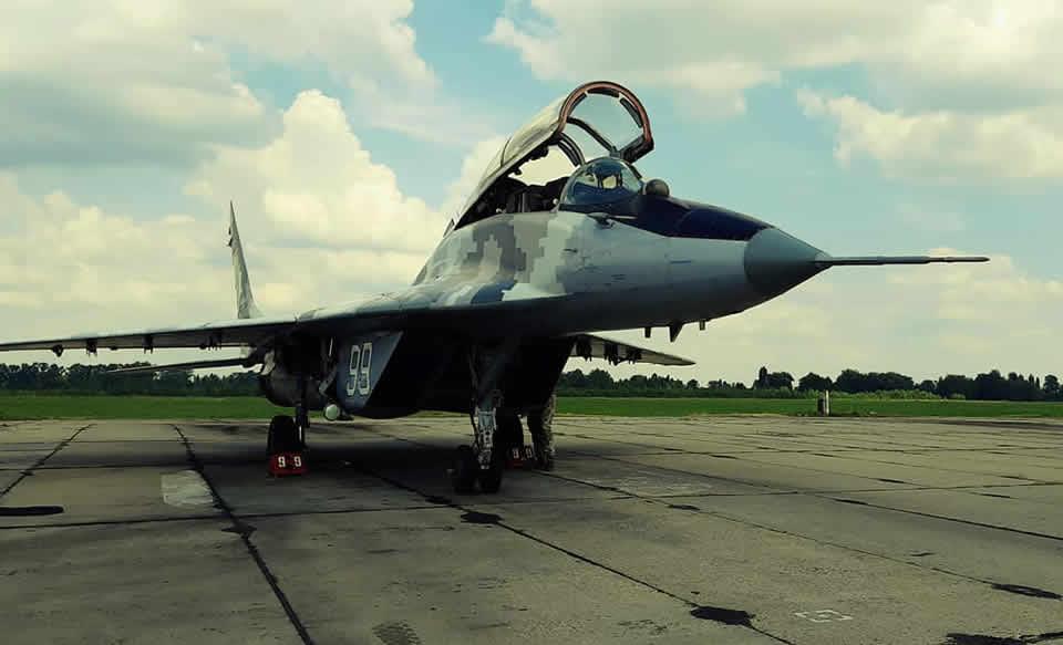 На Киевщине авиаторы оттачивают мастерство ведения воздушного боя