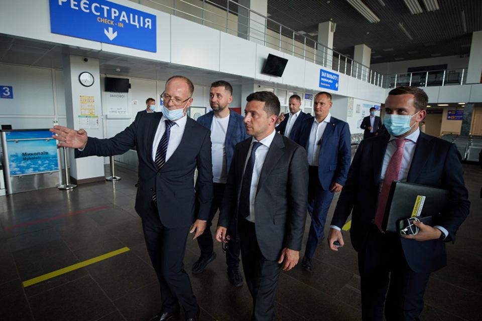 Зеленский поручил решить вопрос с оборудованием аэропорта Николаев