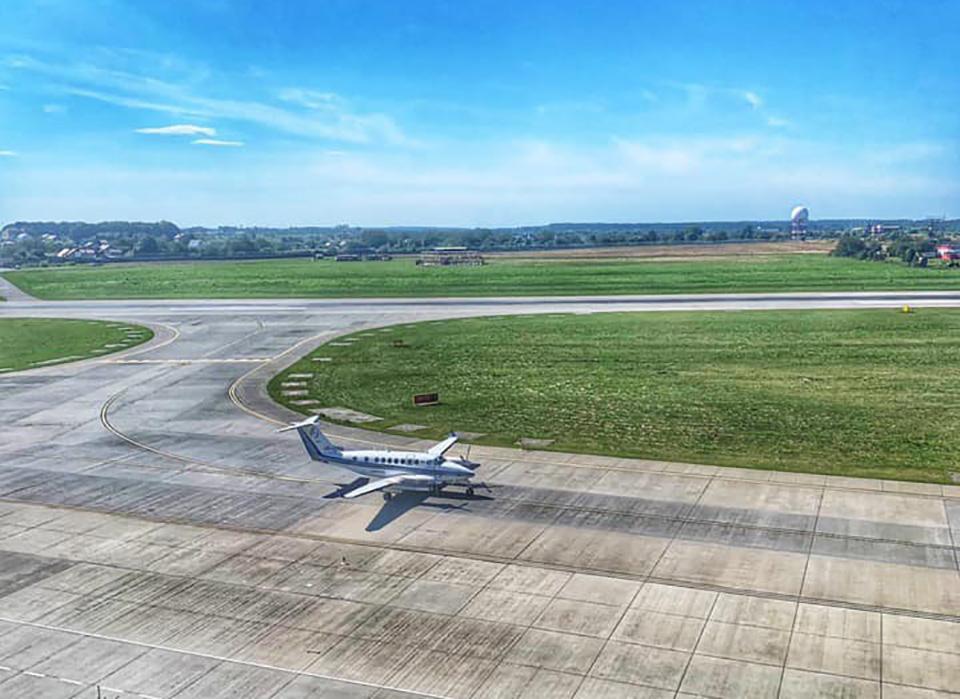 Авиакомпания Украэрорух выполняет облеты для аэропорта Львов