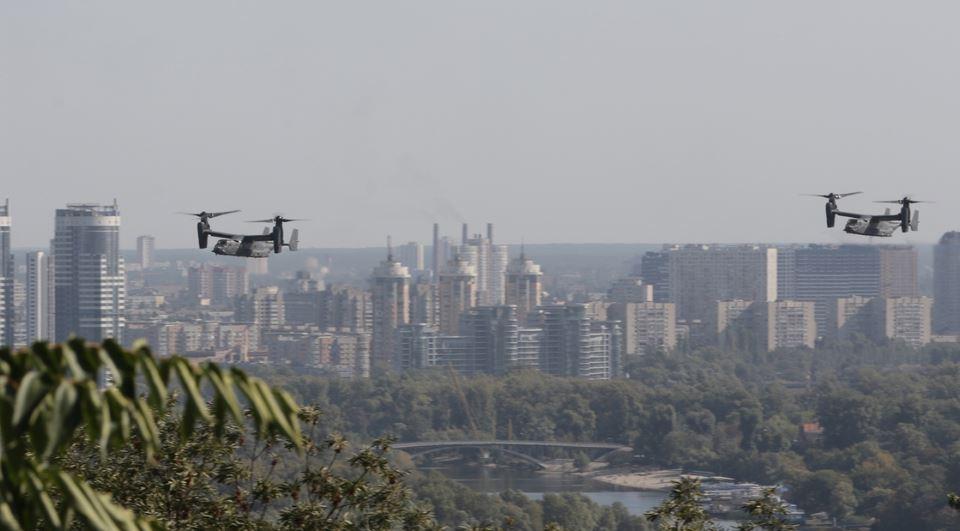 Что делали военные конвертопланы США в небе над Киевом
