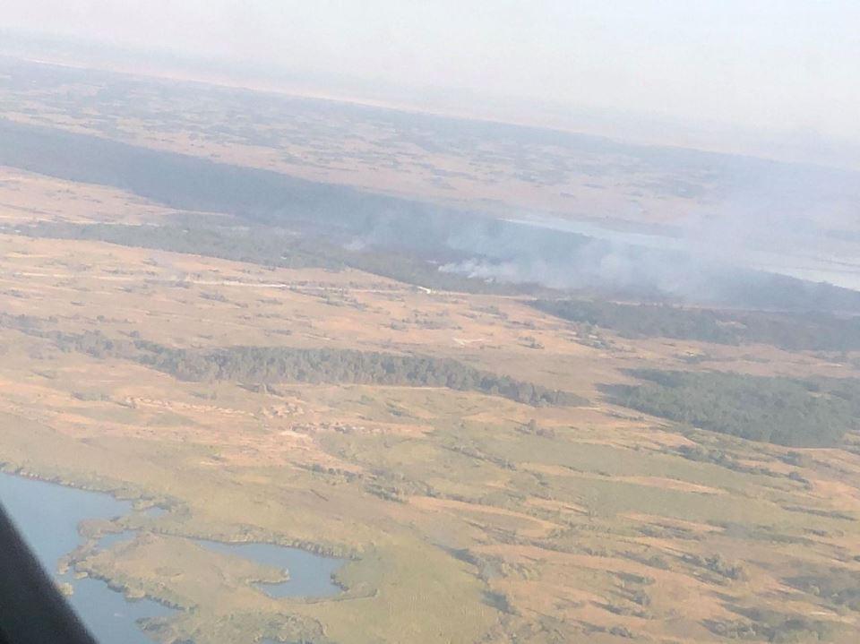 Авиация тушит пожары в Херсонской области