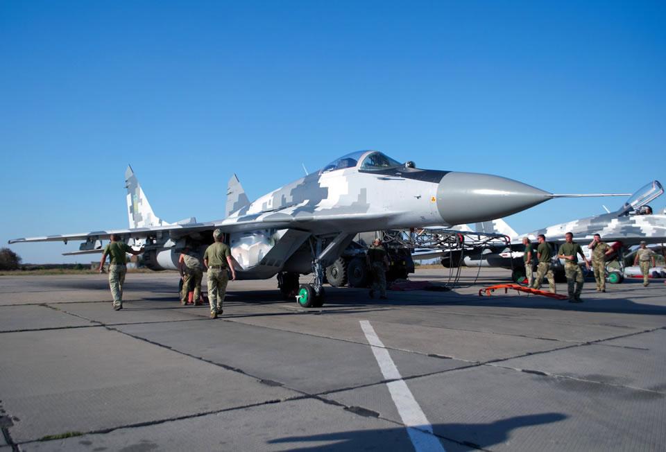 Авиаторы готовят технику и вооружение к боевому применению