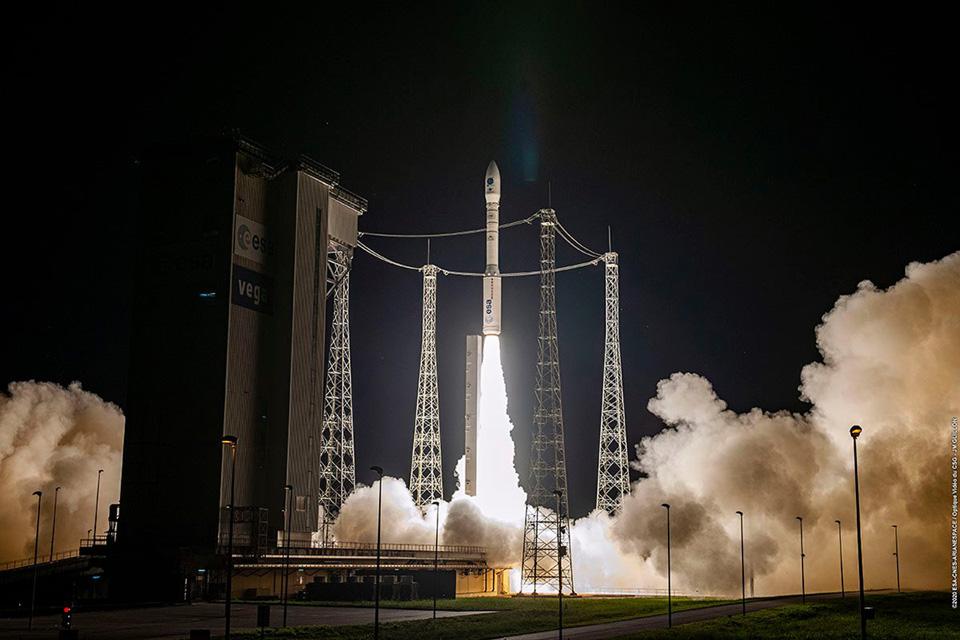 15-й успешный пуск европейской ракеты-носителя Vega