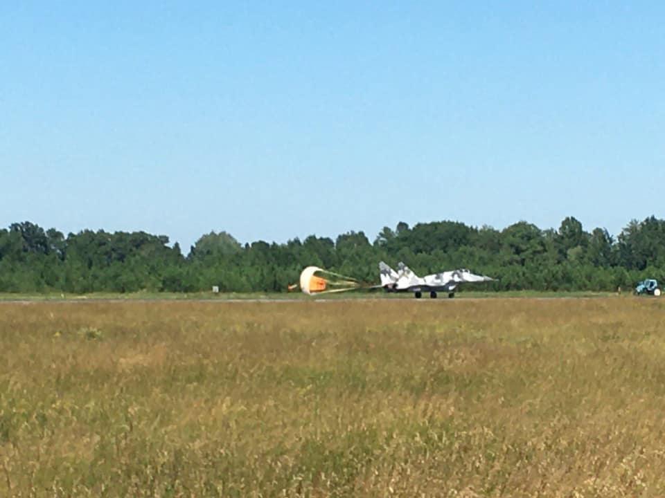 Тормозные парашюты для Миг-29 теперь и украинские