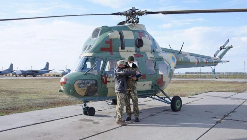 У курсантов-вертолетчиков продолжается летная практика