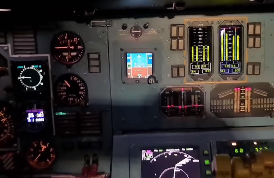 Появились детали обновления кабины пилотов самолета