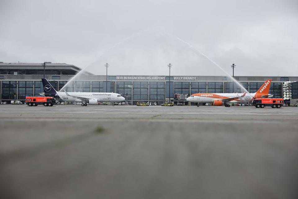 В Берлине начал работу новый аэропорт имени Вилли Брандта