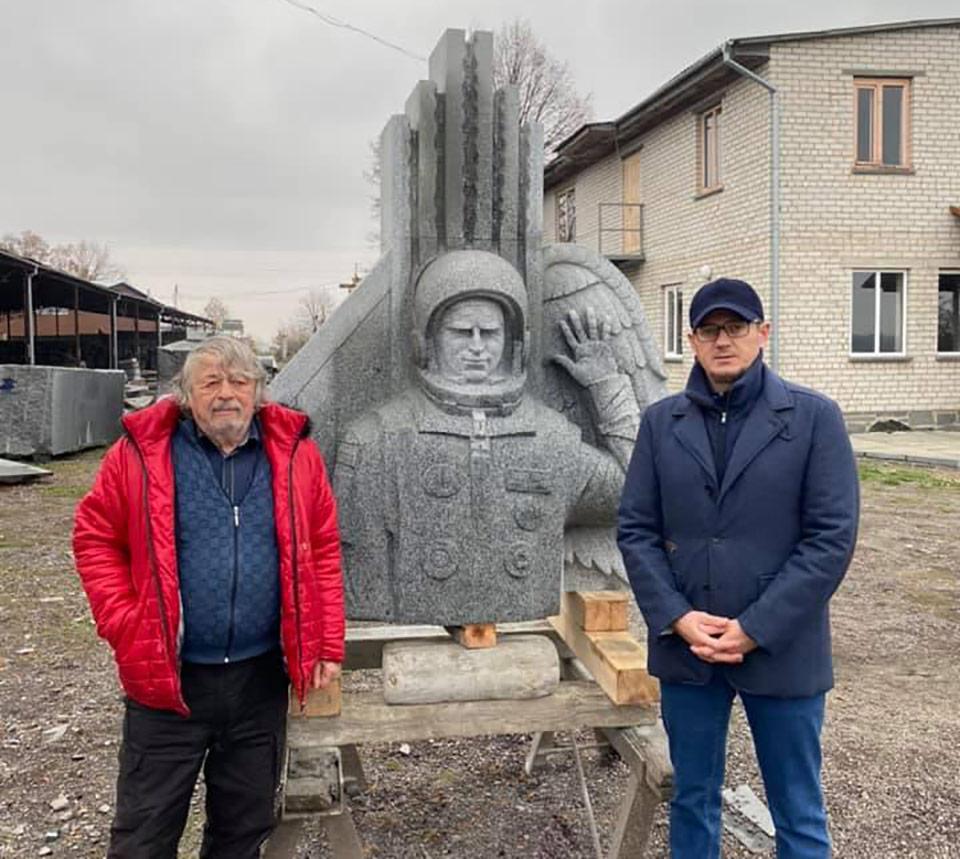 Памятник Каденюку установят на Байковом кладбище
