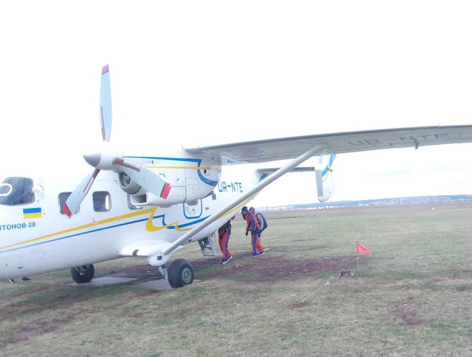 Ан-28 закончил сезон в Коротиче