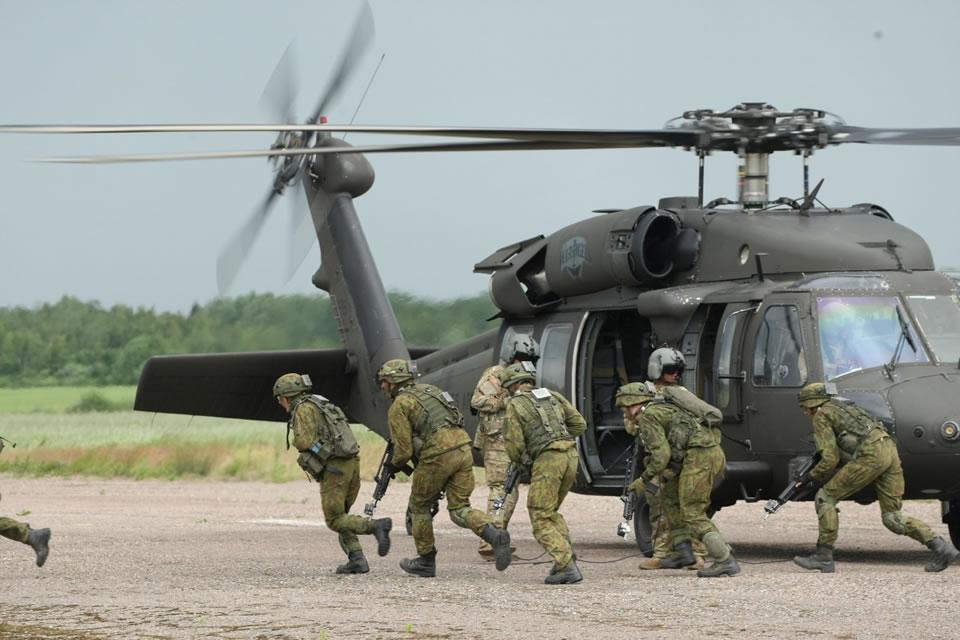 Литва покупает Black Hawk