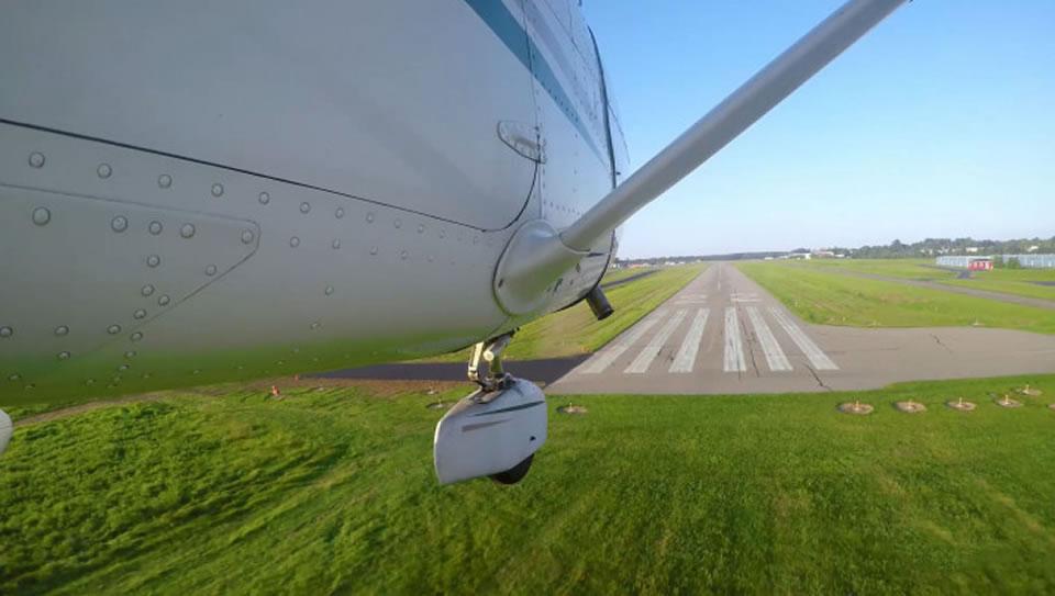 Насколько реально вернуться в аэропорт вылета при отказе двигателя вскоре после взлета