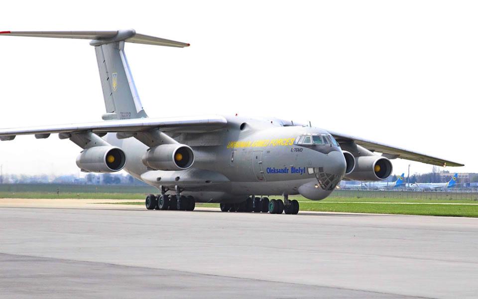 Почему военная авиация летает на заказ стран-партнеров и что получают от этих перевозок Воздушные Силы?