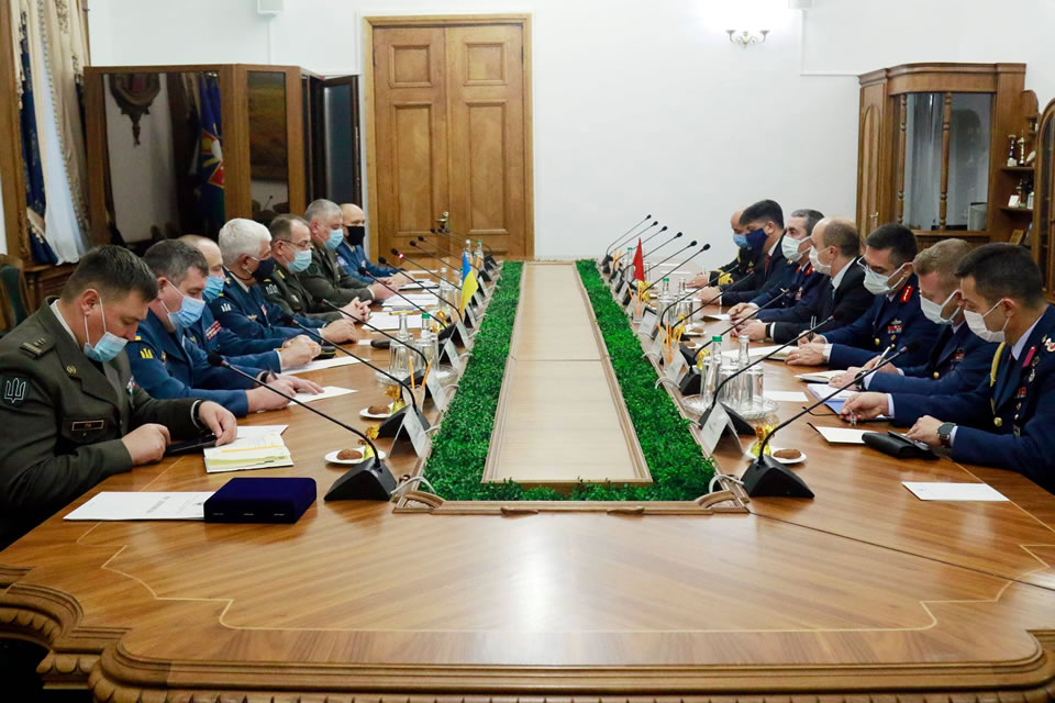 В Украину прибыла делегация ВВС Турции