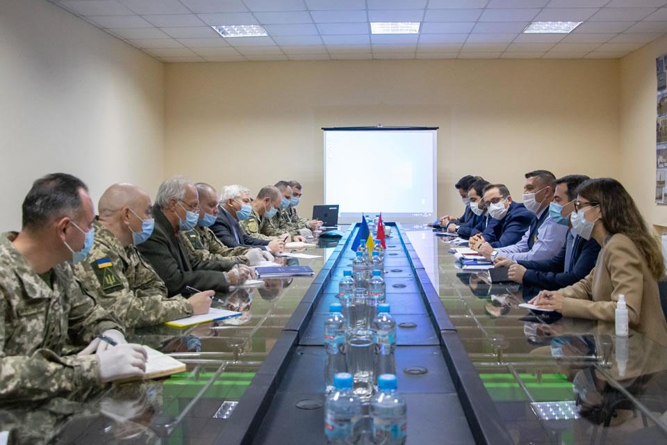 Делегация турецких ВВС проводит переговоры в Одессе