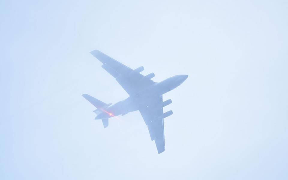 Николаевские авиаторы провели полеты в сложных метеоусловиях