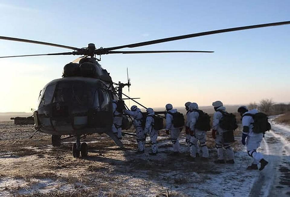 Десантники продолжают воздушно-десантную подготовку