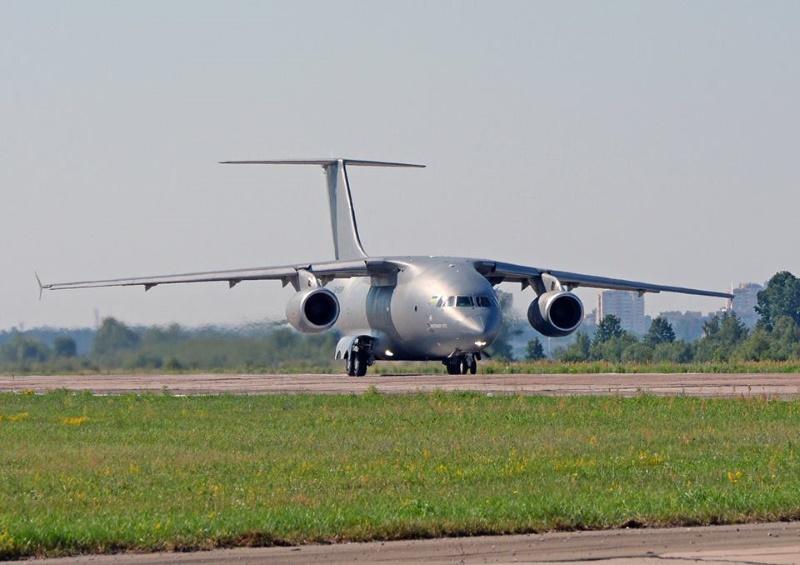 Уруский пообещал построить сразу три самолета Ан-178