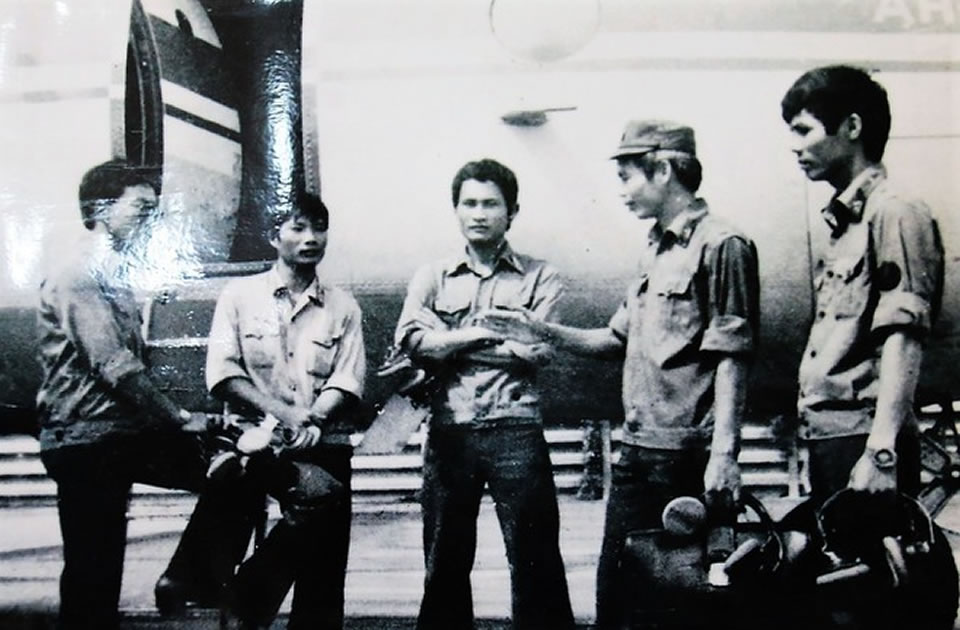 Экипаж Ан-26 перед дежурством