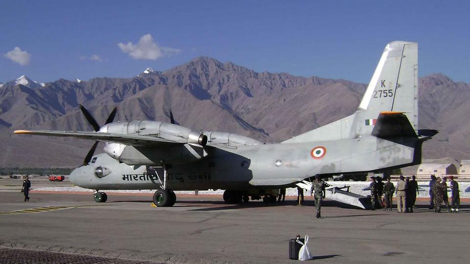 Зимой в Индии жителей гор выручает Ан-32