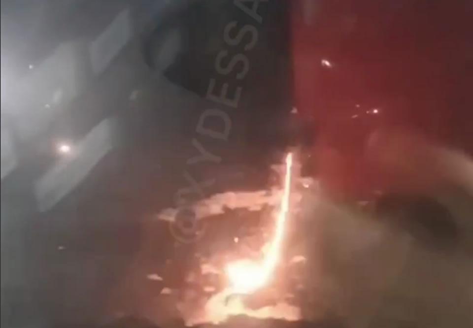 Новенький ATR Windrose устроил в Одессе фейерверк