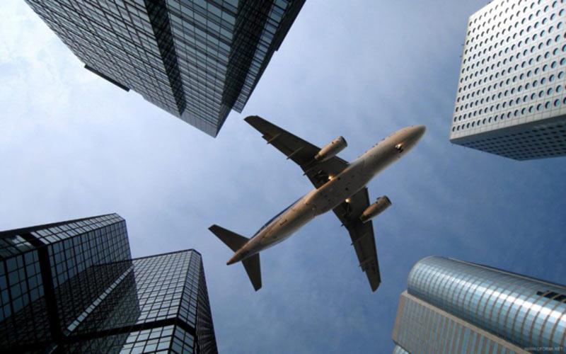 Пассажирские авиаперевозки в мире продолжают падать
