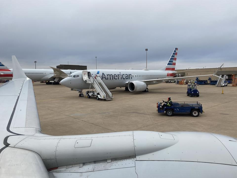 Модернизированный Boeing 737 MAX совершил первый полет с журналистами на борту