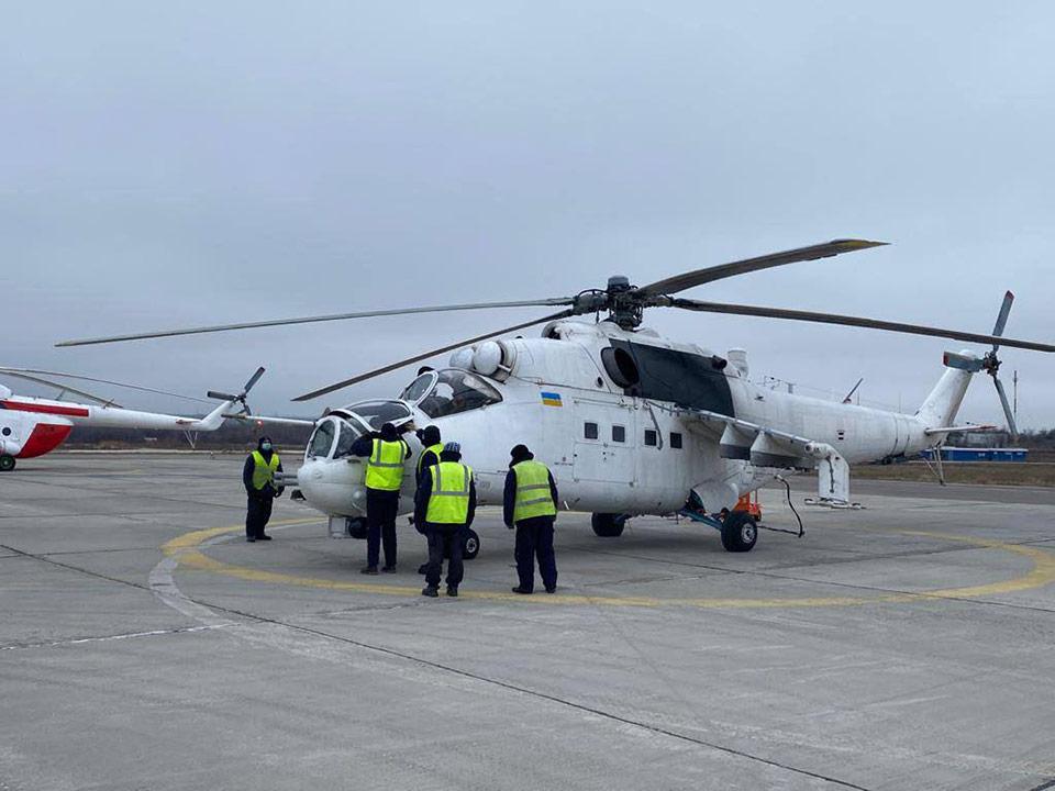 В Запорожье впервые поднялся в небо вертолет Ми-24 с украинскими лопастями
