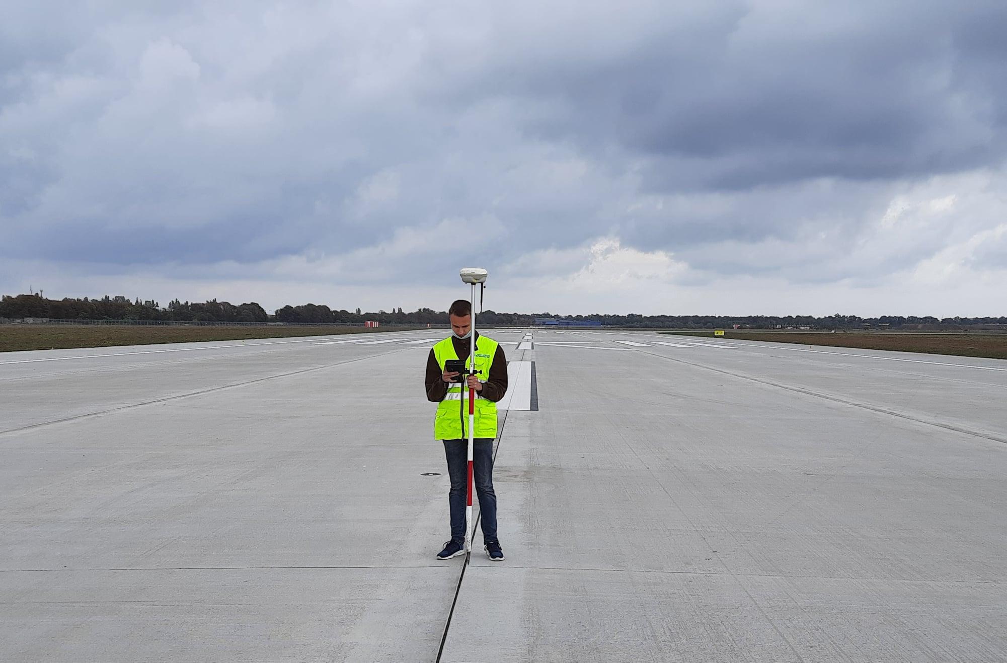 ВПП аэропорта Одесса получила строительный сертификат