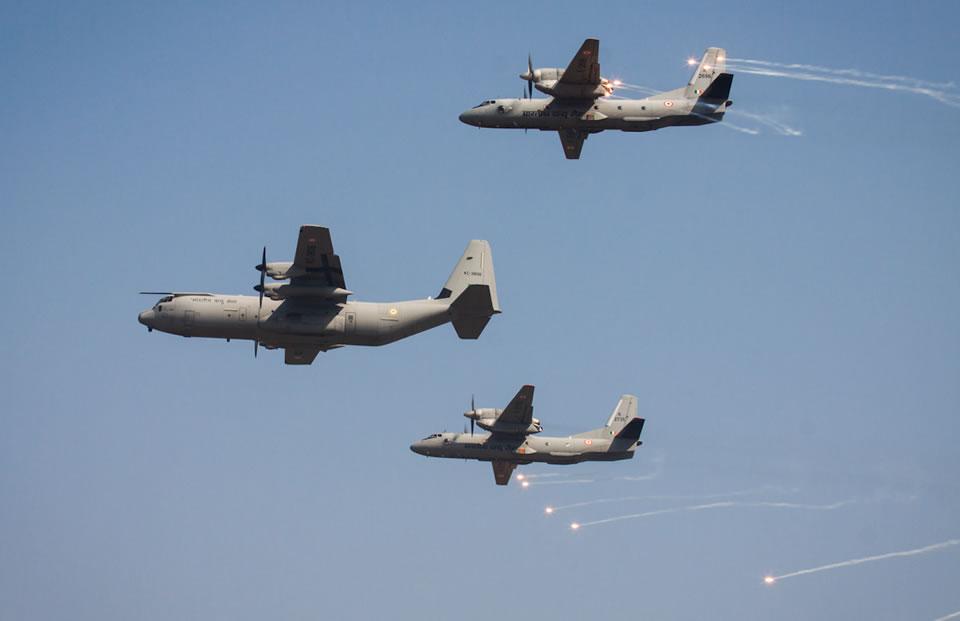 Ан-32 примут участие в индийском авиашоу