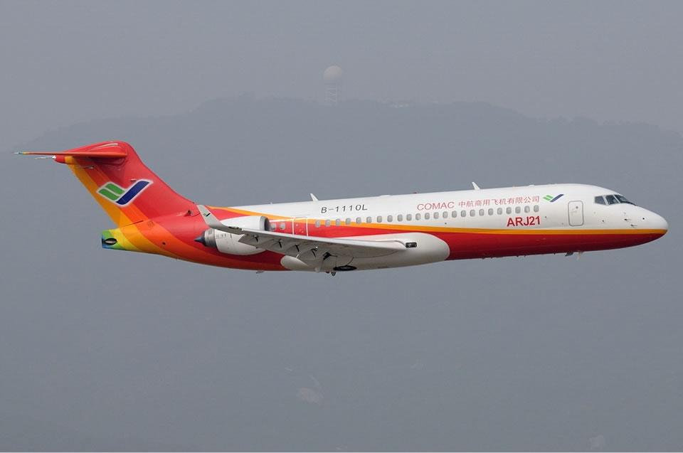 Китайский ARJ21 существенно обогнал Superjet 100