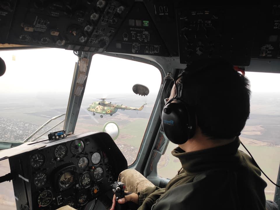 В Борисполе летчики отрабатывают навыки при любой погоде